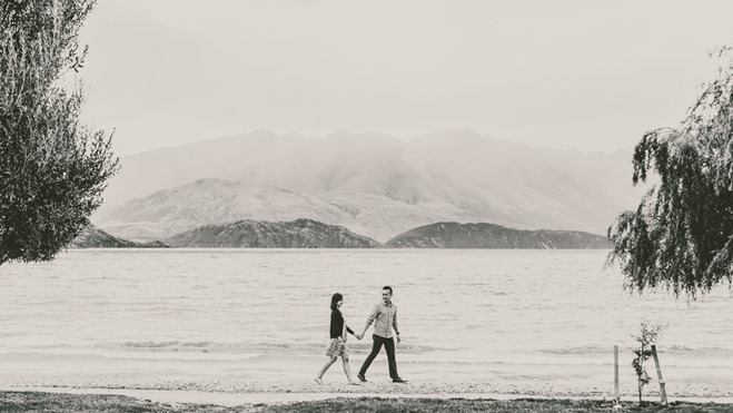 Lake Wanaka Engagement Photo