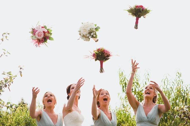 bridesmaid throw bouquets