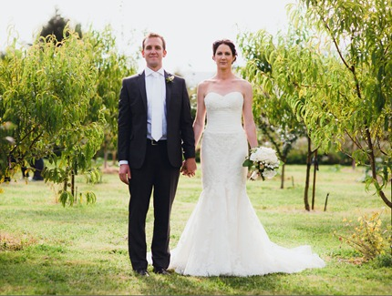 wedding photos in olive grove